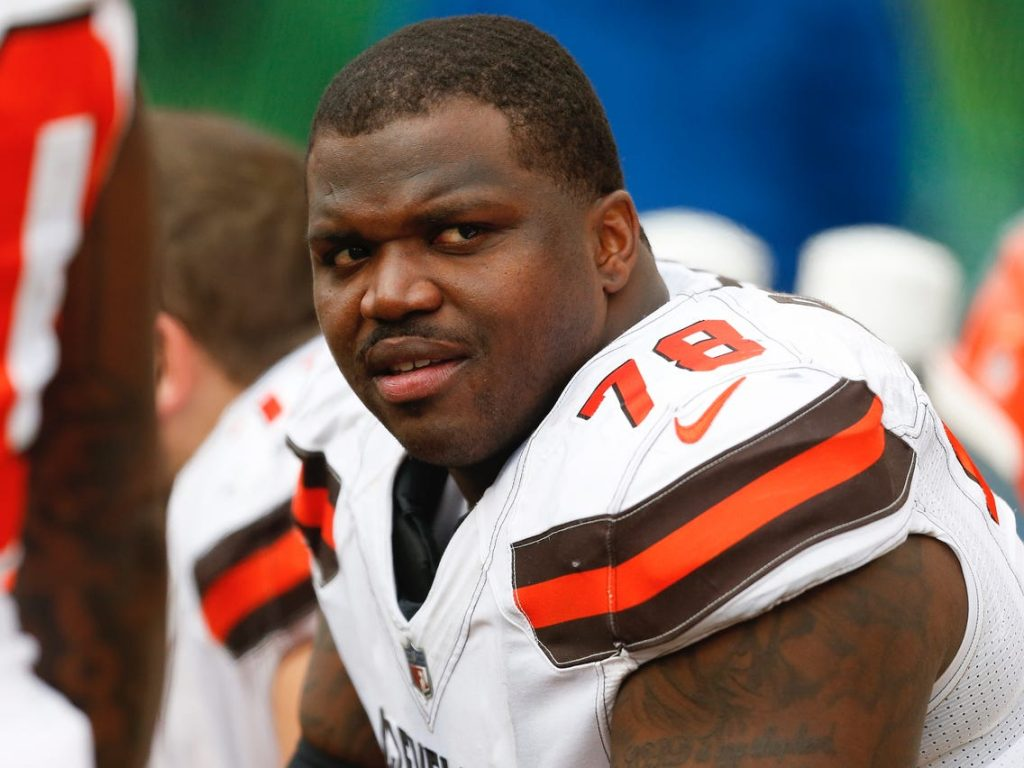 NFL footballer Greg Robinson arrested due to weed